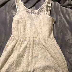 Forever 21 lace dress - like new
